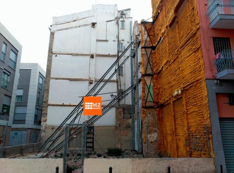 apeos y apuntalamientos de edificios